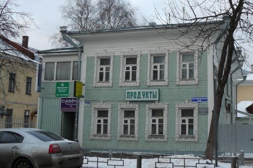 Дом Крылова, кажется, единственный, кто получил подарок на свой юбилей - ему вернули утерянные наличники