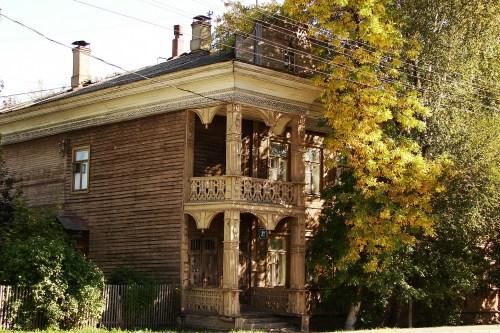 """Дом Алаева прекрасно сочетает почти усадебную парадность и милую домашнесть"""" - что может быть большим комплиментом доходному дому!"""