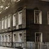 Дом Поповой-Введенской (3-я четверть XIX в.), набережная VI Армии, 93. Памятник утрачен (сейчас новодел). Фото: Наседкин